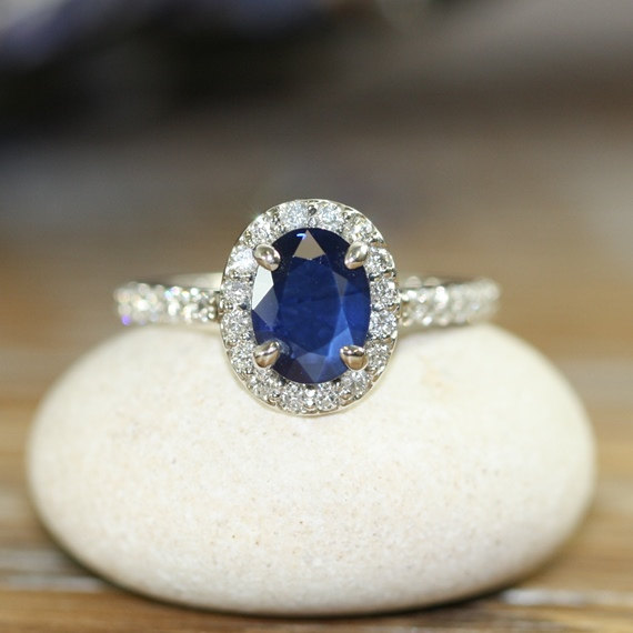Sapphire Engagement rings By sumuduni Gems