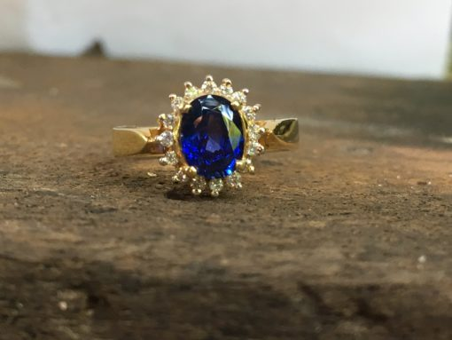 princess diana blue sapphire ring yellow gold